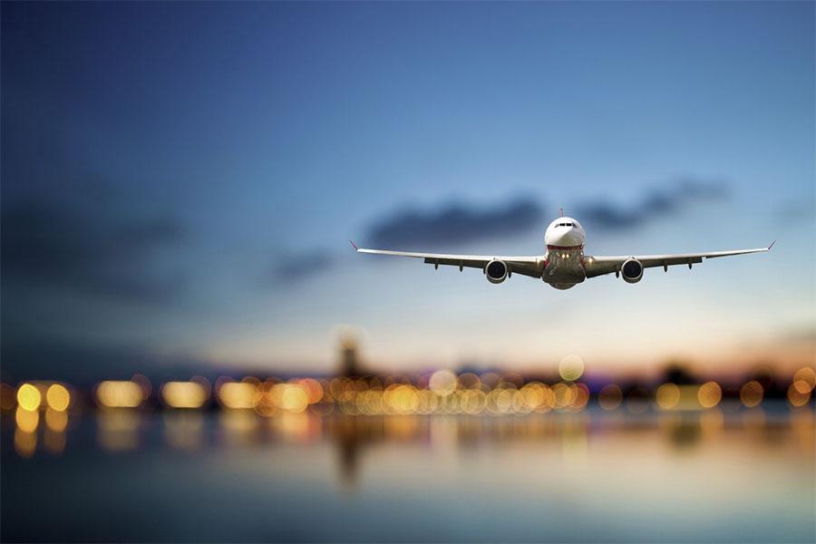 avion en aeropuerto viajes hacia una nueva era