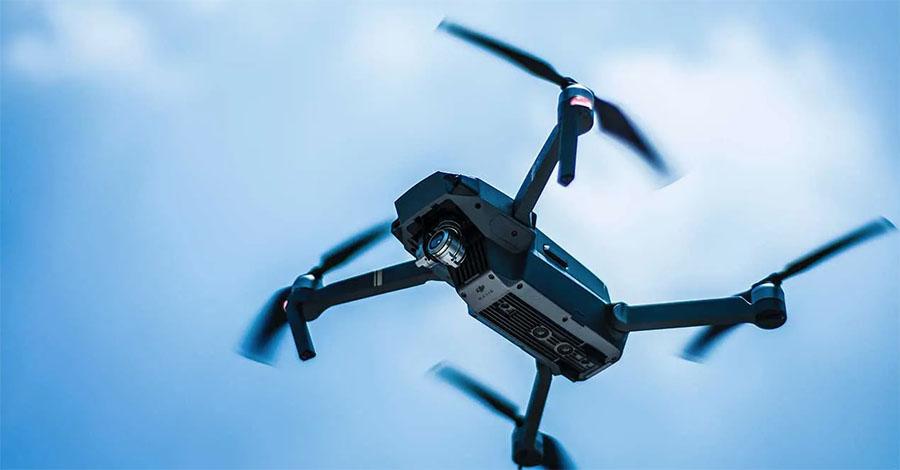 drone volando que licencias se necessita