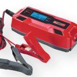 Cargador y arrancador de baterías para coche y moto del Lidl por menos de 20 euros